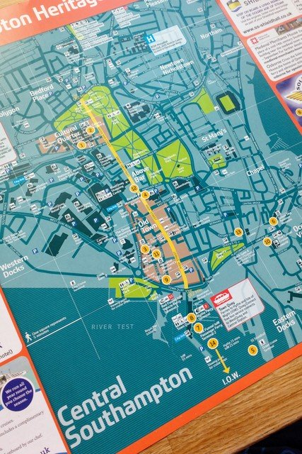 This tourist map shows most of the interesting features of the city centre
